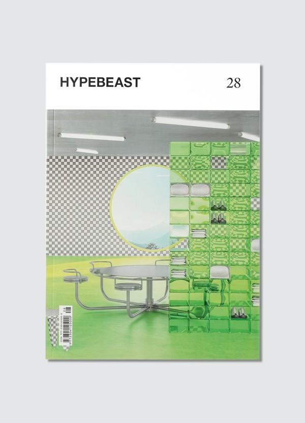 http___s3.store.hypebeast.com_media_image_06_e9_Magazine_1_1-fb5bddc5c6c6b89bc3437a5816ae
